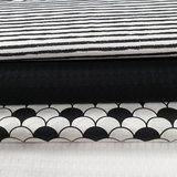grove wafels zwart en wit met ongelijke strepen en schulp katoen