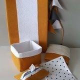 @droomzolderwiegjesvantoen oker en witte wafel met badstof en ongelijke nopjes babyuitzet