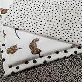 zand pantertje, painted dots off white, digitale luipaard, kleine rondjes ongelijk