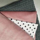 licht oud roze velvet oud roze rib jersey hartjes tricot en gebreide katoen donker grijs