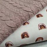 kabel tricot met regenboogjes stof  BEEBS