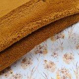 cognac wellness fleece met paardenbloemen pluis tricot BEEBS