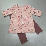 sweatjurkje met mouwen langer getekend van tricot - patroon los te koop en in deel 2 van baby tot kleuter