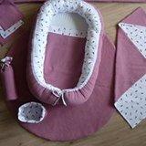 oud roze babyuitzet met wit zwart veertjes @ellebel