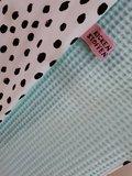 babydeken gewassen mint wafel met painted dots tricot jursie